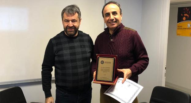 Prof. Dr. Yaşar KESKİN'e Teşekkür Belgesi ve Plaketi